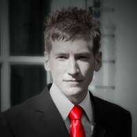 andreas_red_tie